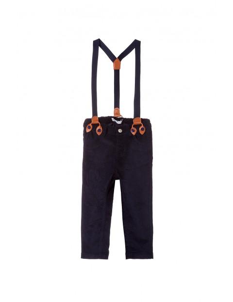 Spodnie chłopięce na szelkach