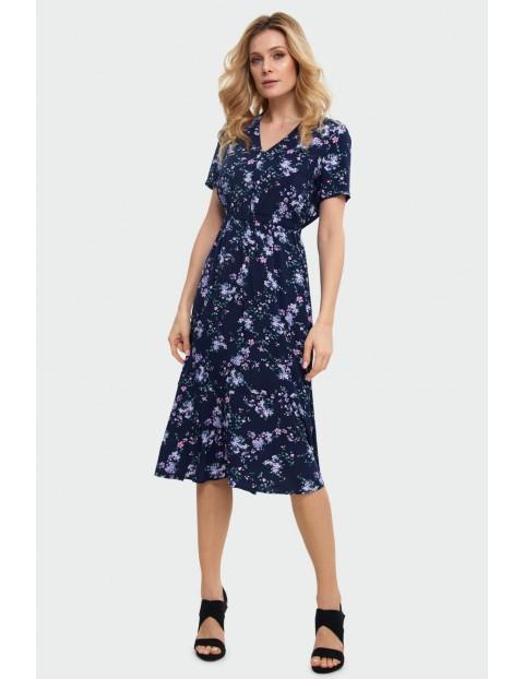 Wiskozowa sukienka z kwiatowym wzorem granatowa