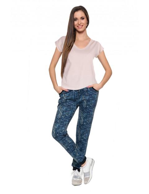 T-shirt damski o regularnym kroju różowy