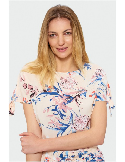 Damska różowa bluzka w kwiaty, rękaw kimono z rozcięciem i kokardką