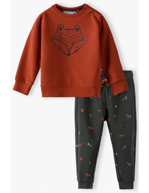 Komplet niemowlęcy dresowy z liskiem - bluza i spodnie dresowe