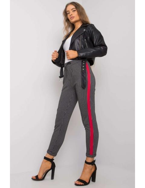 Ciemnoszare spodnie damskie w paski