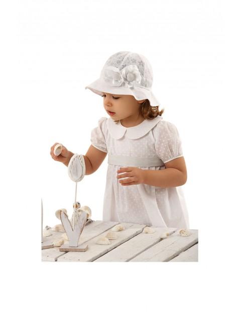 Kapelusz niemowlęcy biały z ozdobnymi kwiatkami
