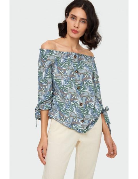 T-shirt damski z nadrukiem  z dekoracyjnymi wiązaniami i-  dekolt typu carmen