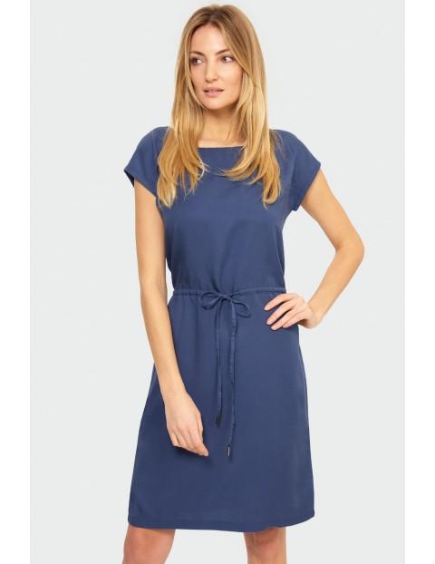 Granatowa sukienka z lyocellu o prostym kroju