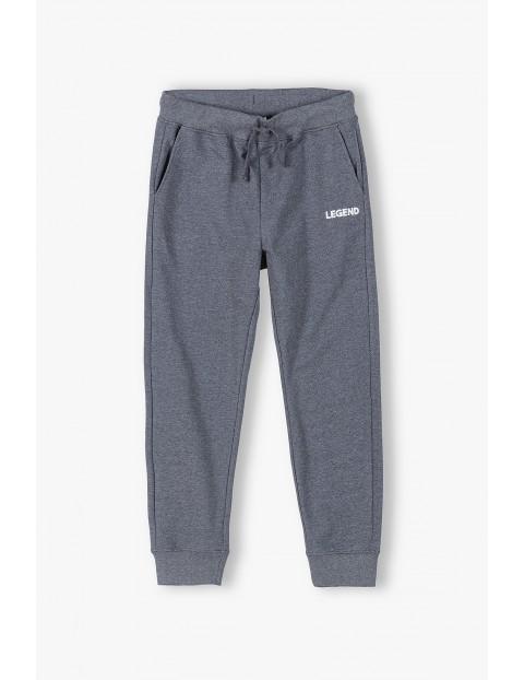 Spodnie dresowe dla mężczyzn szare- Legend- ubrania dla całej rodziny