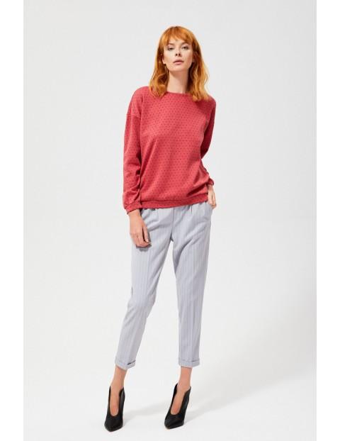 Bluza w kolorze różowym o klasycznym kroju