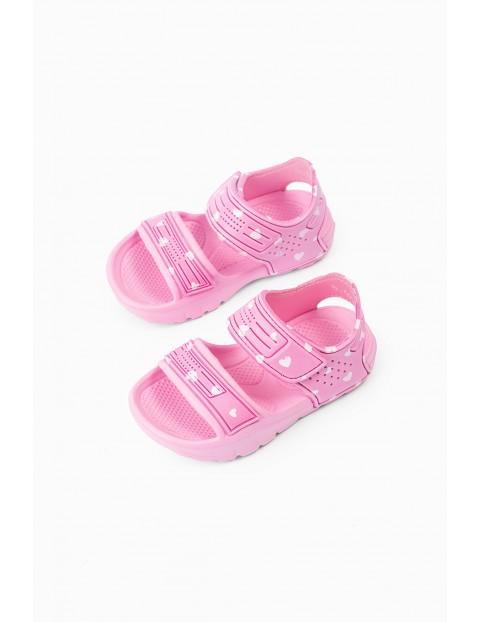 Sandały dziewczęce - różowe w serduszka