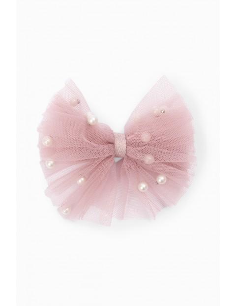 Spinka do włosów - tiulowa kokardka w kolorze pudrowego różu ozdobiona perełkami