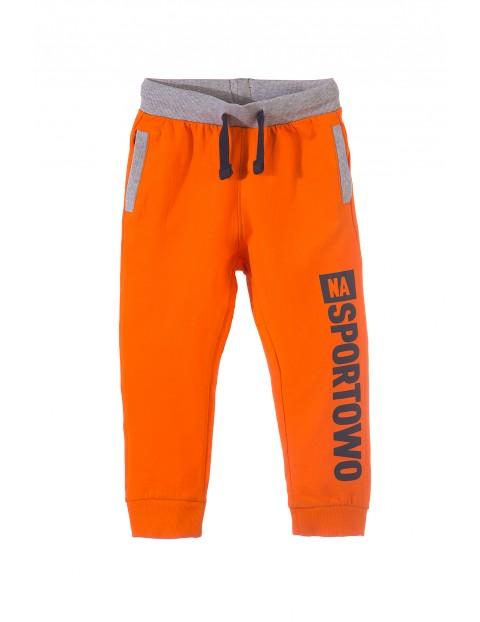 Spodnie dresowe chłopięce 1M3412