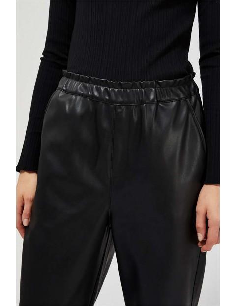 Spodnie damskie czarne z eko skóry
