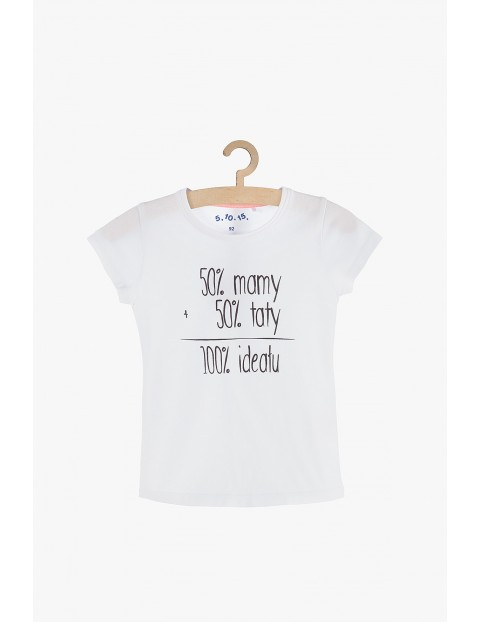 T-shirt dziewczęcy biały z napisami - 50% mamy, 50% taty...
