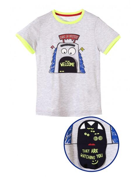 T-shirt chłopięcy z aplikacją 3D