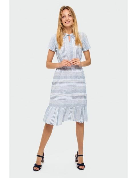 Sukienka damska w paski z ozdobną falbanką