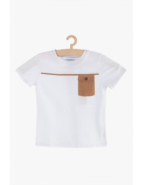 T-shirt chłopięcy biały z kieszonką