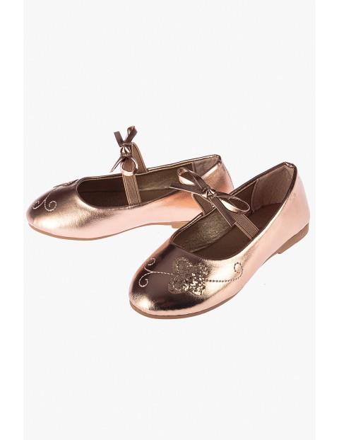 Buty baleriny z motylkiem różowe złoto