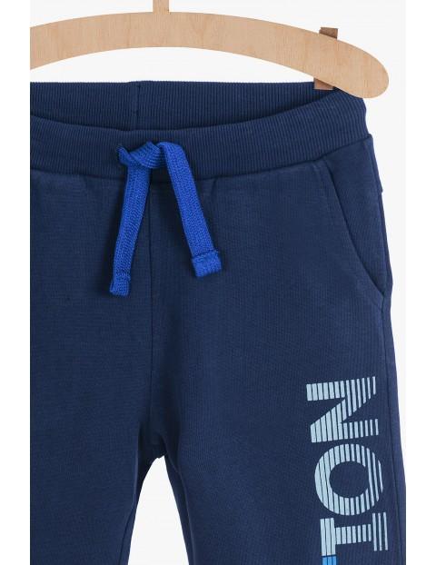 Dresowe spodnie dla chłopca - granatowe
