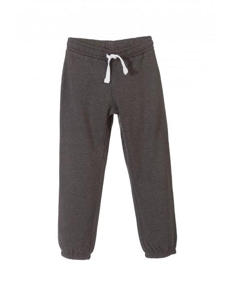 Spodnie dresowe chłopięce 2M9746