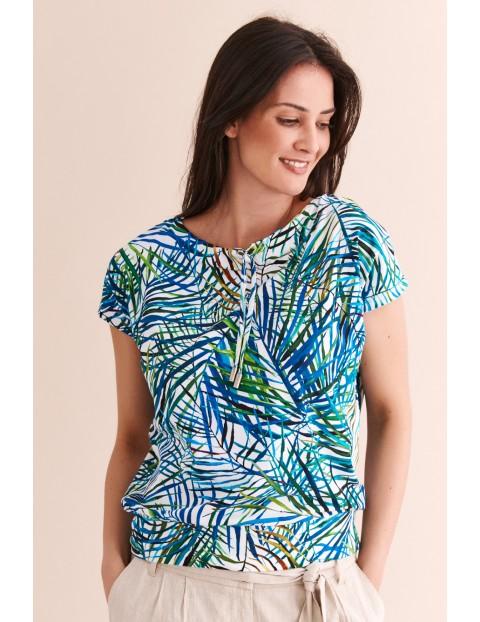 Bluzka damska z krótkim rękawem w niebieskie wzory