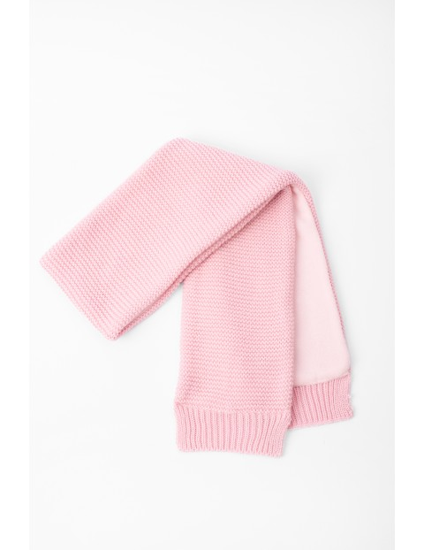 Szalik dla niemowlaka różowy z polarową podszewką
