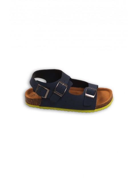 Granatowe sandały dla chłopca