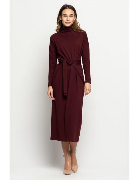 Bordowa sukienka ze stójką