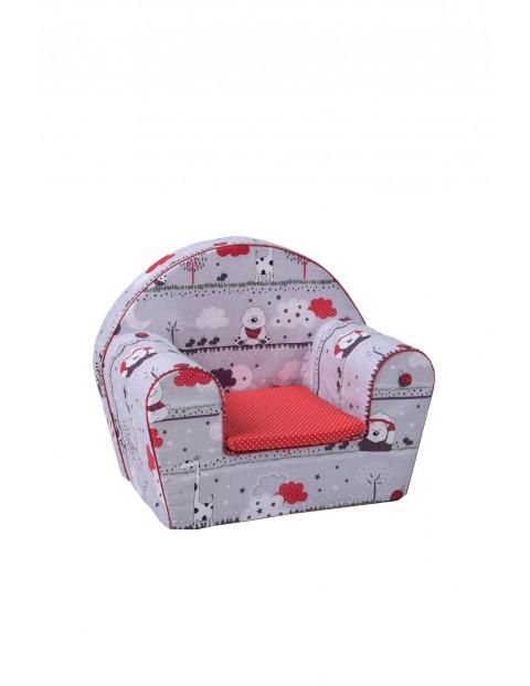 Szary fotelik w zwierzaki