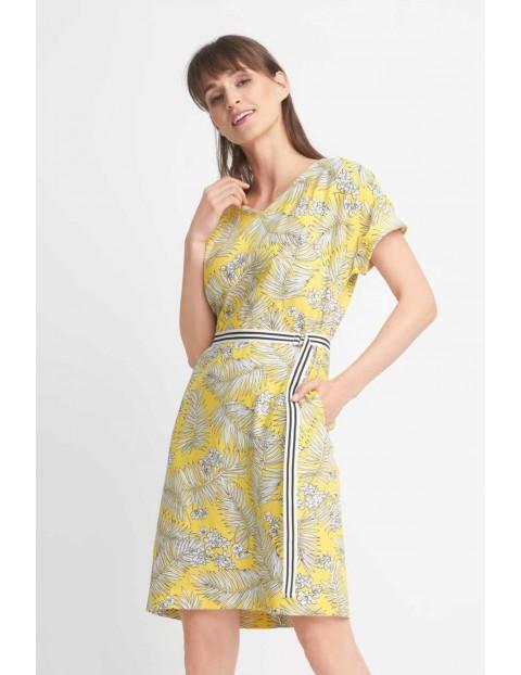 Żółta wiązana sukienka w liście
