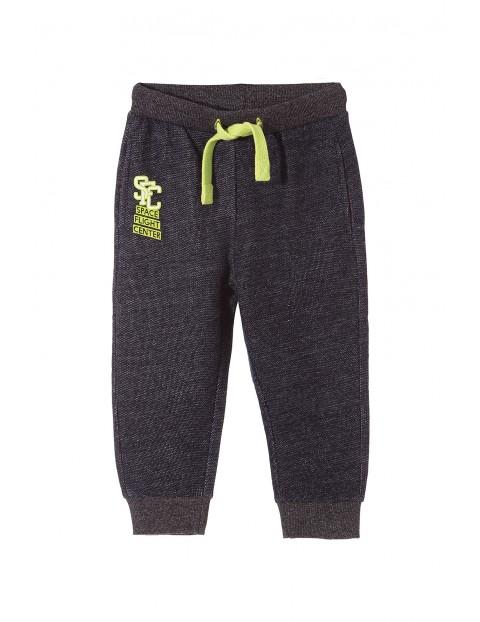 Spodnie dresowe chłopięce 1M3334