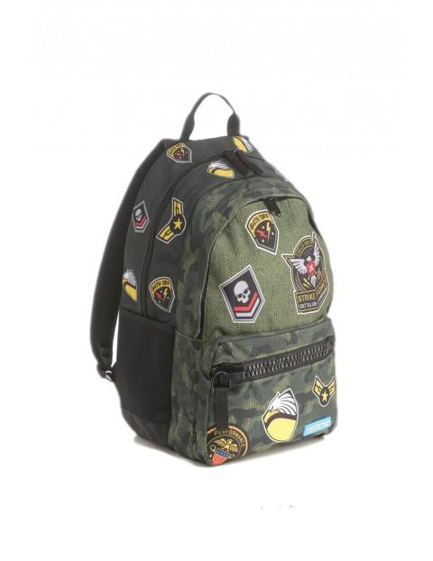 Plecak szkolny chłopięcy - moro z naszywkami