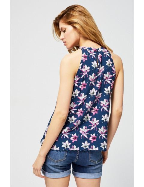 Bluzka damska koszulowa na ramiączkach w kwiaty granatowa