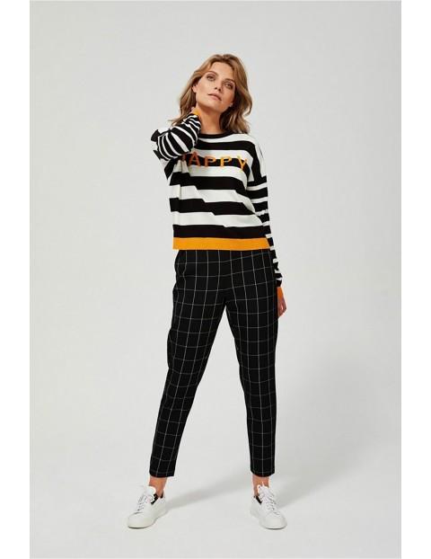 Sweter damski w paski  z napisem Happy - czarno - biały