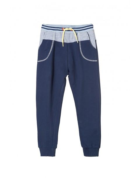Spodnie dresowe chłopięce 1M3218