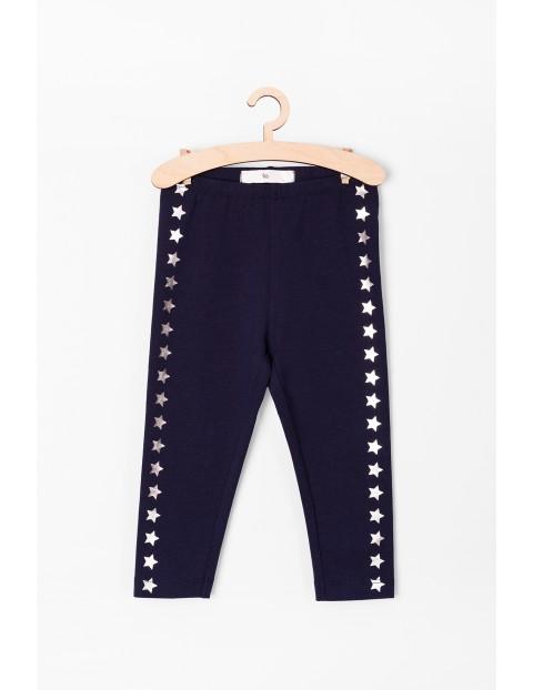 Spodnie niemowlęce granatowe z gwiazdkami