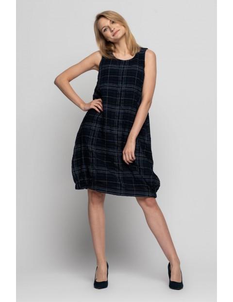 Czarna sukienka w kratę