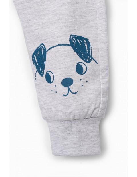Szare spodnie dresowe niemowlęce z pieskiem