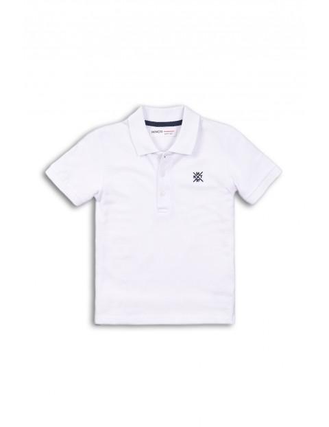 Biały t-shirt z kołnierzykiem dla niemowlaka