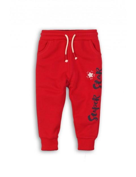 Czerwone dresowe spodnie dla niemowlaka