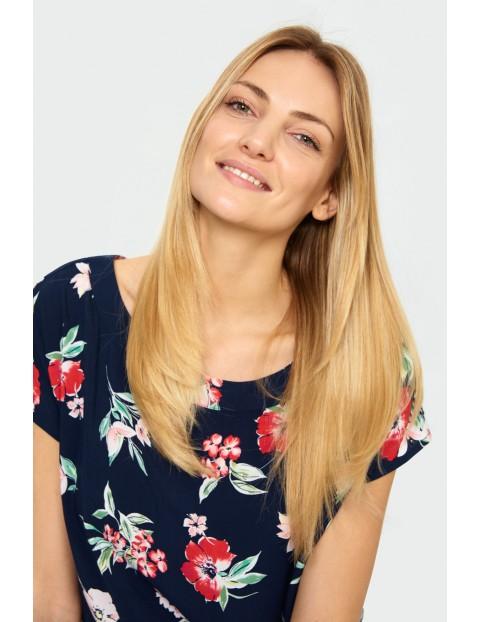 Granatowa bluzka  damska na krótki rękaw w kolorowe kwiaty