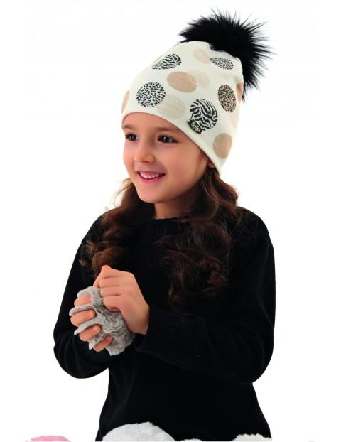 Czapka dziewczęca z pomponem - biała w kolorowe wzorki