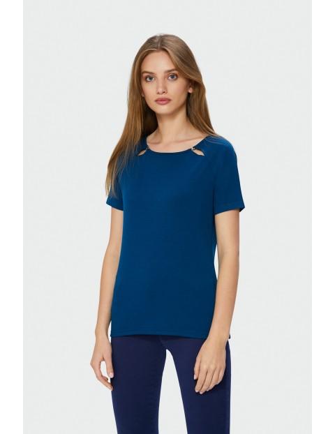 Granatowy t-shirt damski z ozdobnymi rozcięciami
