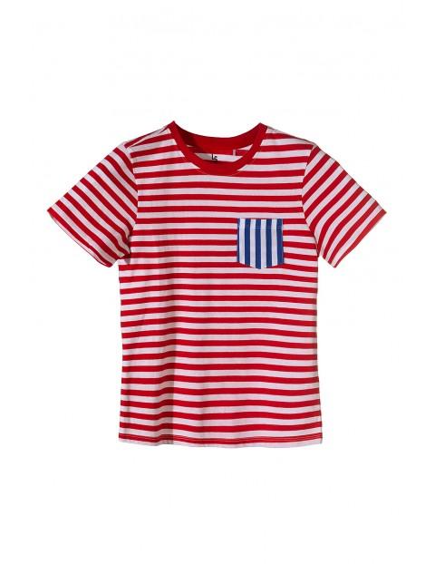 Bluzka chłopięca w czerwono białe paski z niebieską kieszenią