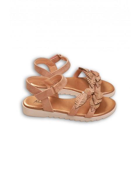 Brązowe sandały dziewczęce z liśćmi