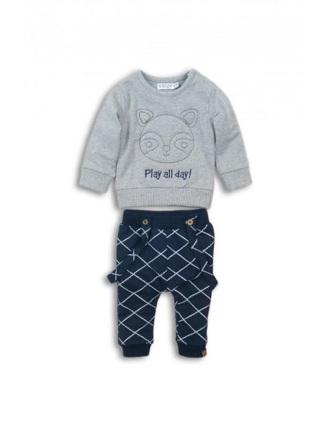 Komplet ubrań dla niemowlaka- bluza dresowa i spodnie