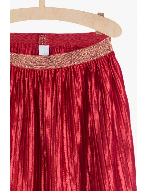 Czerwona plisowana spódnica dla dziewczynki