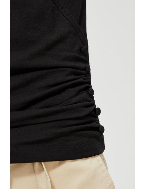 Czarny T-shirt damski z marszczeniem