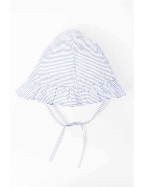 Kapelusz dla niemowlaka wiązany w bialo niebieskie paski