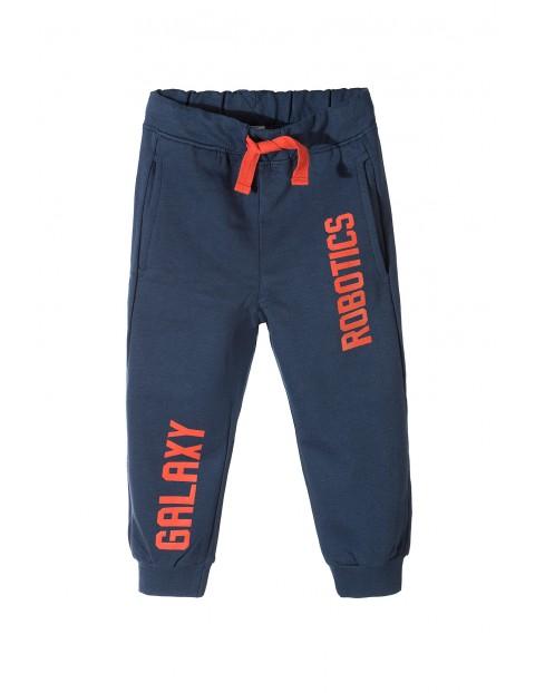 Spodnie dresowe chłopięce 1M3332