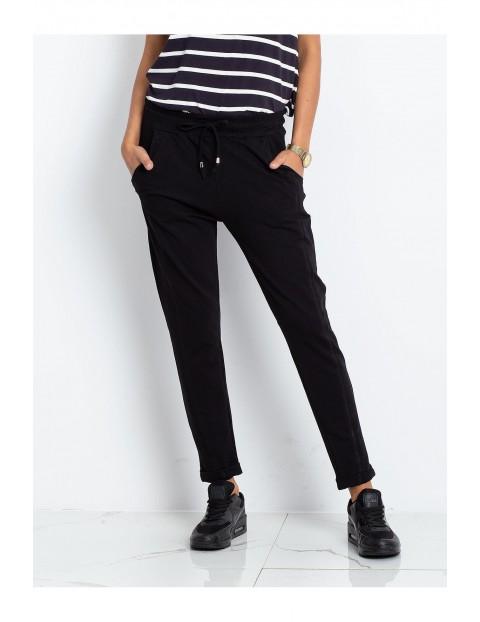 Spodnie dresowe damskie - czarne