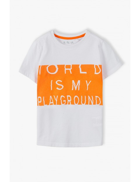 Bawełniany t-shirt chłopięcy z modnymi nadrukami